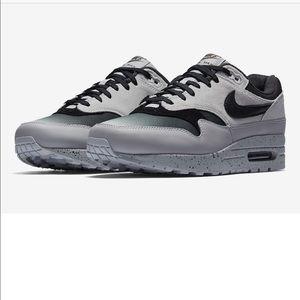 Men's Nike Air Max 1 premium gradient toe sz 9